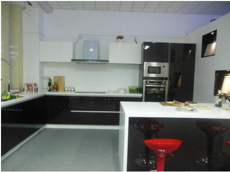 Proyecto completo de gabinetes de cocina personalizados - 13